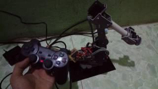 Cánh tay robot 6 bậc tự do điều khiển bằng tay cầm PS2