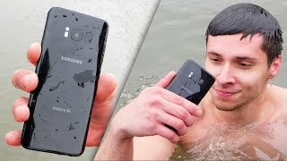 Samsung Galaxy S8 vs iPhone 7 Water Test! Secretly Waterproof?