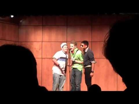Hình ảnh trong video i rick roll my entire school at talent show