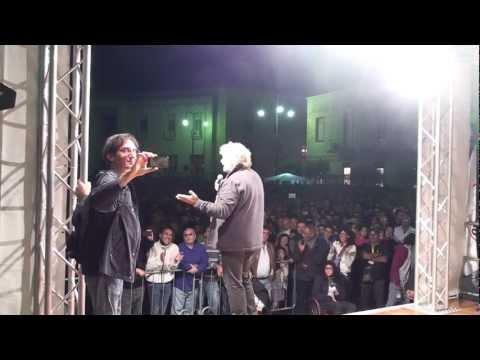 Beppe Grillo Ragusa 14 ottobre 2012 (intervento intero) HD