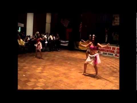 Grupo Pascuense Haka Nini en el 1er encuentro folklorico de USA 2012 PART 2