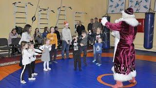 Дід Мороз і Снігуронька привітали зі святами дітей працівників університету