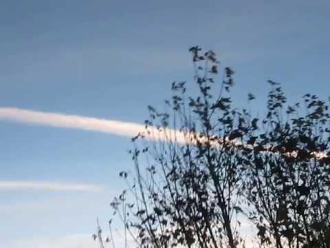 Terrible chemtrails sprayed in Sveio-Haugesund, Norway (Oct. 29, 2013)