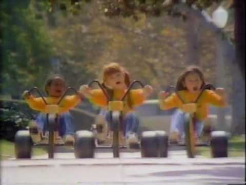 VINTAGE 80'S TOYS R US COMMERCIAL I DON'T WANNA GROW UP, I'M A TOYS R ...