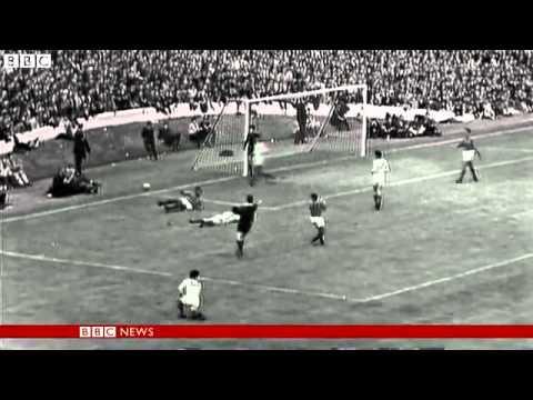 Footballer Eusebio dies aged 71