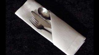 Doblar una servilleta de papel para una fiesta