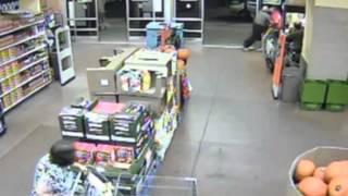 Wild: Security Guard Brawls With Shoplifter In Walmart