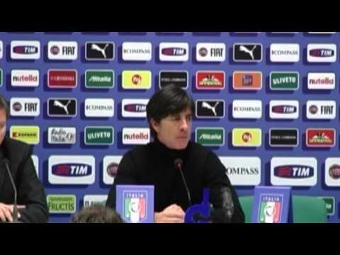 Löw lobt Philipp Lahm und Jerome Boateng -- Sorge um Sami Khedira | Italien - Deutschland 1:1