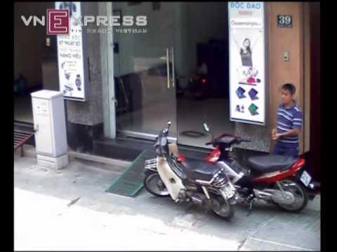 Trộm Honda Wave trong tích tắc