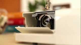 Máquina De Costura Mecânica Singer Tradition 2250