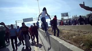 الدرك الجزائري يقمع مسيرة سلمية لمتظاهرين بالغازات المسيلة للدموع