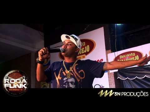 MC Vitinho é Febre :: Cantando o sucesso