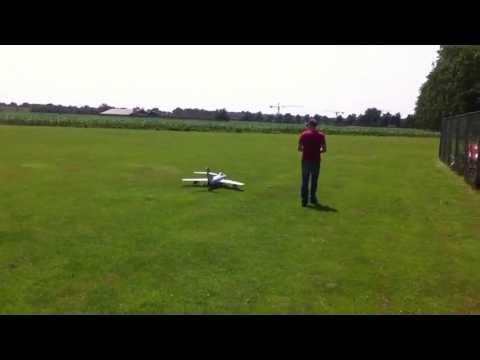 Eerste vlucht JePe Mig15 met Kolibri turbine