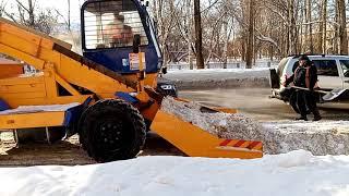 Снегоуборочная техника на улице Кирова