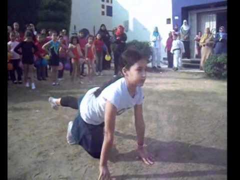 فقرة عرض الجمباز  من إحتفال مدرسة المستقبل للغات بطنطا بعيد الأضحى