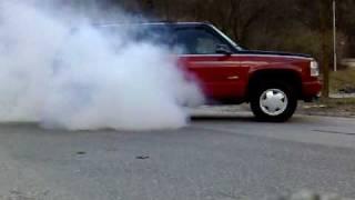 Gmc Yukon-1999 Burnout videos