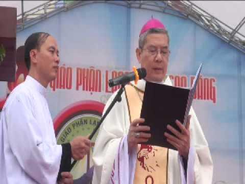 Đại Lễ GPLS. Đức Cha Giuse Đặng Đức Ngân chào mừng