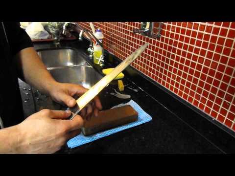 Demonstração de afiação de faca sushi com King Watersotne e Nagura
