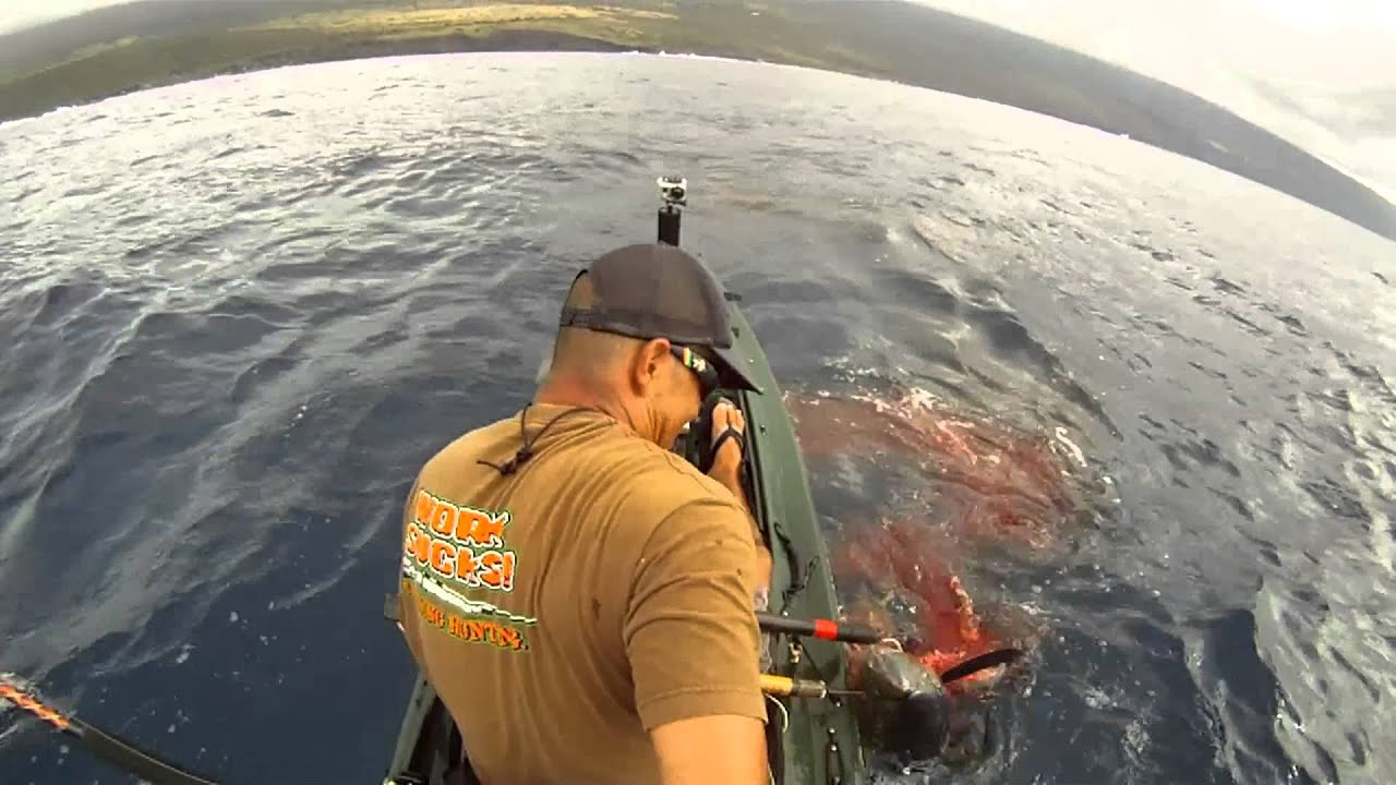 Extreme kayak fishing hawaii 66 tuna youtube for Kayak fishing hawaii