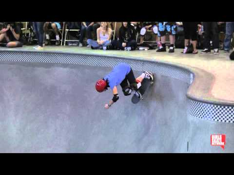 Cara-Beth Burnside - Vans Girls Combi Pool Classic 2013
