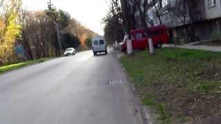 Nu mergeți cu bicicleta pe strada Dimo!