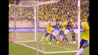 A Seleção Brasileira provou na noite dessa terça-feira, em Nova Jérsei, que não se abalou com o polêmico corte do veterano Maicon. Com um gol de Willian após cobrança de falta ensaiada, o time de Dunga derrotou o Equador por 1 a 0 e ganhou confiança para dar sequência ao ciclo que sucede o vexame na Copa do Mundo em casa.Na sexta-feira, a Seleção Brasileira já havia superado a Colômbia também por 1 a 0, com gol de falta de Neymar. O próximo compromisso está marcado somente para o sábado de 11 de outubro, novamente contra um rival sul-americano. Será diante da vice-campeã mundial Argentina, em Pequim.