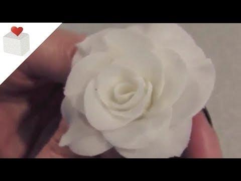Cómo modelar rosas con pasta de flores (I) | Modelado con Pasta de Flores por Azúcar con Amor