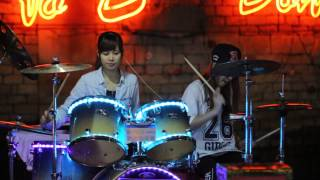 2 Girl Drum cover  Moves like jagger – Like it