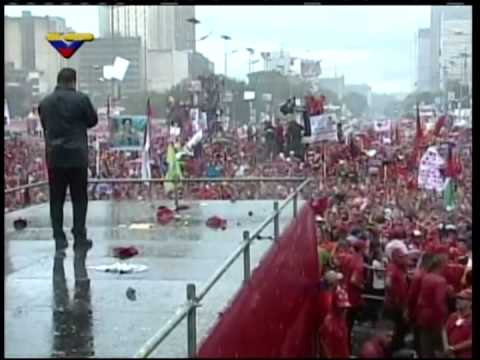 Video ZKVTV: Chávez bajo la lluvia, su discurso el 4 de octubre de 2012 en el cierre de campaña