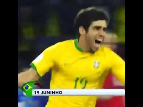 Juninho sút bóng cực mạnh không cần lấy đà