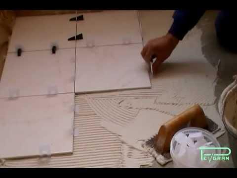 Sistema de nivelaci n de cer mica para pavimento y pared for Como colocar ceramicos en un bano