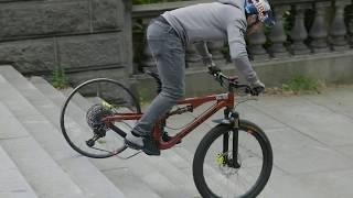 Bikers Rio Pardo | Vídeos | Danny MacAskill tenta destruir rodas de carbono