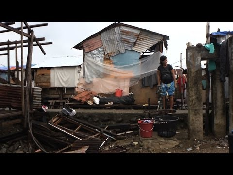 Typhoon Haiyan: Cash grants help families get by