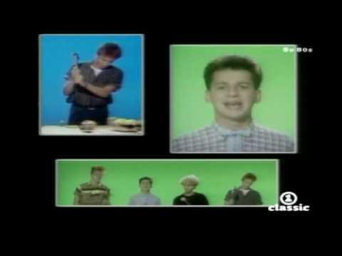 Смотреть клип Depeche Mode - Leave In Silence