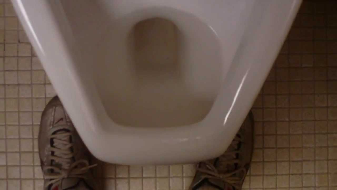 Man Rules- Urinal Etiquette - YouTube