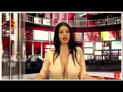 """مُقدمة أخبار """"قناة ألبـانـيا"""" بمظهر مُثير"""
