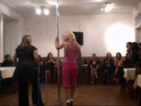 Vídeo: Mundial Eventos ® – Festas à sua medida ®: Workshop de Dança do Varão (Pole Dance) & Striptease (Dança da Cadeira)