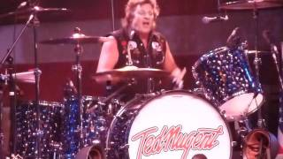 Ted Nugent Baby Please Don't Go @ The Grove Of Anaheim