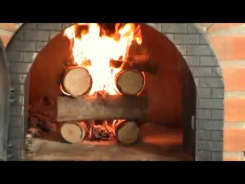 Como acender um forno a lenha