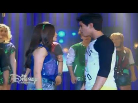 youtube video Soy Luna - Luna y elenco cantan  Valiente  en el Open Music (Capitulo 26) to 3GP conversion