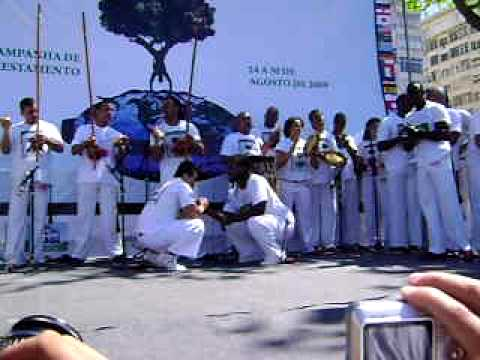 os campeões do VII jogos mundiais abada capoeira 2009 roda em copa cabana