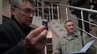 Militari ruși înarmați amenință jurnaliștii în Crimeea