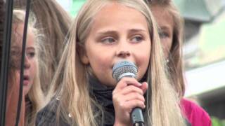 """10 Year Old Girl Singing """"Castle On A Cloud"""""""