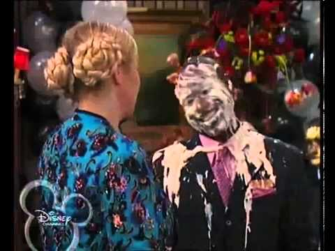 FUNNY scene!!!! from The Suite Life of Zack and Cody s01e14