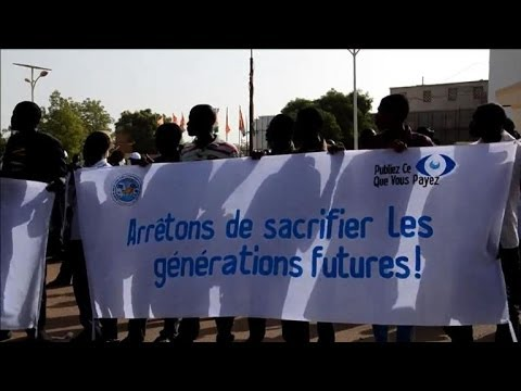 Niger: des centaines de personnes manifestent contre Areva