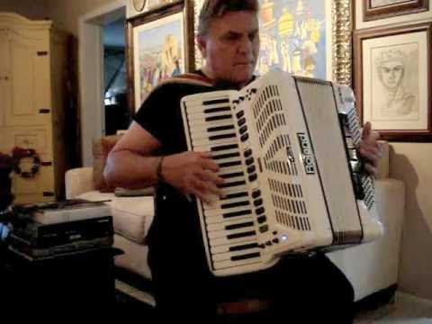 Don't Blame Me / Luis Espíndola - Jazz Accordion / Manhattan Transfer Style!