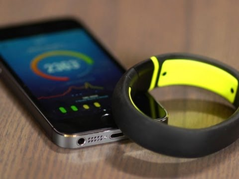 Nike Fuelband SE: new colors, new tools, same concept