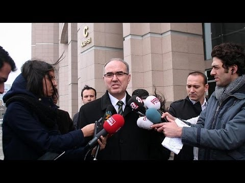 Ergenekon: Turkish court orders release of jailed former army chief