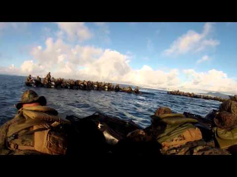 JGSDF and US Marines train side-by-side in small boats