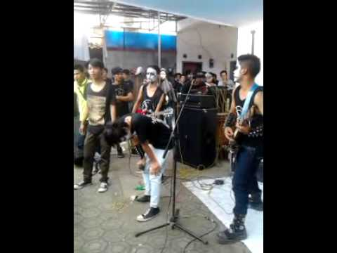 AGROUND-BLACK METAL Live in SUKABUMI 1 DES 2013